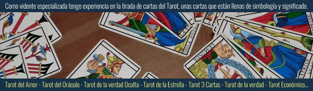 Vidente de nacimiento especializada en las cartas del Tarot